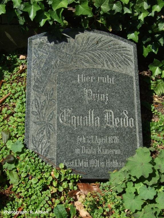 Equalla Grave Muelheim2.jpg
